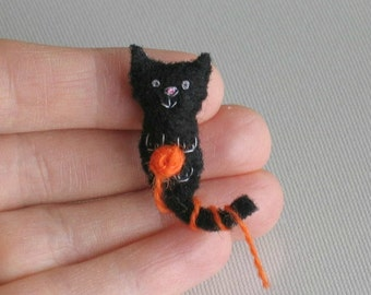 Black Cat miniature Halloween plush felt toy with tiny ball of yarn