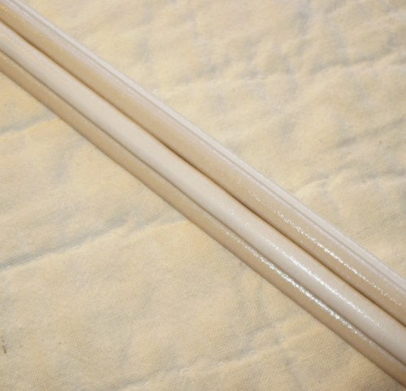 Curdle Dark Ivory 104 coe Lampworking Glass Rods - quarter pound