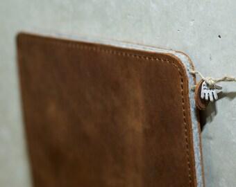 iPad PRO Leather Sleeve - AMARETTINI (Organic Leather)