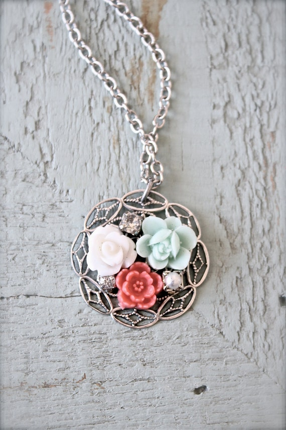 Shabby chic vintage style flower cluster necklace.  Antique silver tone.   Sweet And Simple Jewelry Design.