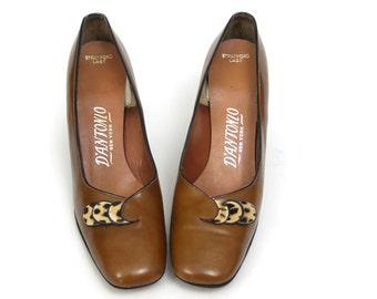 Leopard Print pumps size 7.5 aa // narrow mod 60s shoes vintage