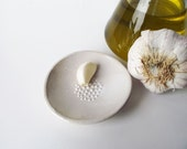 Rustic Scratch Garlic with white dots in relief - Stoneware