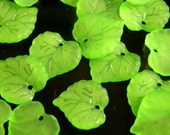 10 pieces - Green Frosted Matte Lucite Leaf Beads - 16x15mm