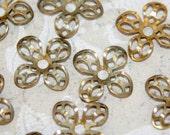 12 vintage flower findings