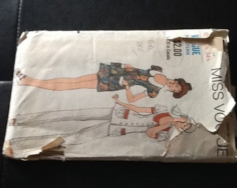 Vintage Miss Vogue 7802  Pattern Mod two piece dress and pants pantsuit 1970s