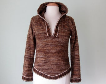 70s sweater / hooded pull over knit top ethnic print (s - m)