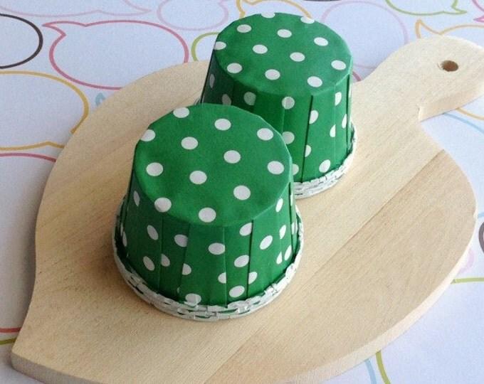 50 Polka Dots Green Baking Cups