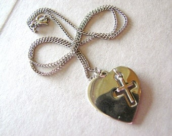 Vintage silver heart and cross necklace (N9)