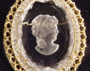 Glass Carved Cameo Pin
