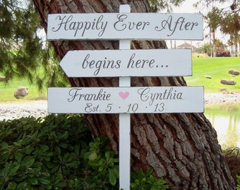 HaPPiLy EVeR AfTeR BeGiNS HeRe SiGn - EnCHanTinG Style - DiReCTioNaL WeDDiNg SiGnS - Custom Wedding SIGNS - 4ft Stake - Distressed White