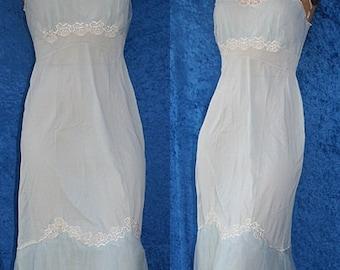 Sale Vintage 1950s 50s 40s Beau Femme Montgomery Wards Bridal Wedding Embroidered Chiffon Tulle Full Slip Dress