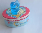 Just a Sweet Blue Valentine Keepsake, Decor, Bluebird, Vintage Inspired Treasure Box, Valentines Day Decor, Gift Idea for Her