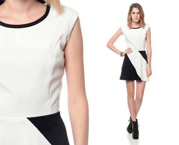 Black and white dress 60s 70s mod mini color block 1970s space age