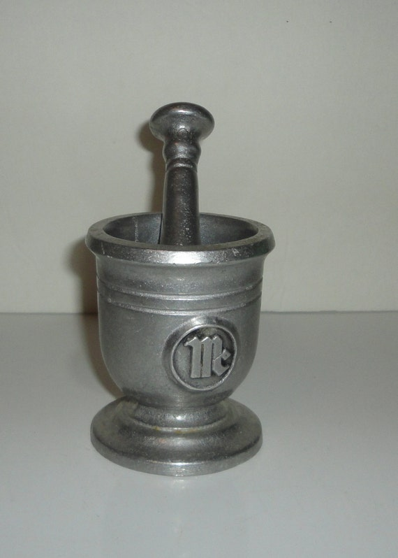 vintage wilton armetale pewter mortar and pestle mc. Black Bedroom Furniture Sets. Home Design Ideas