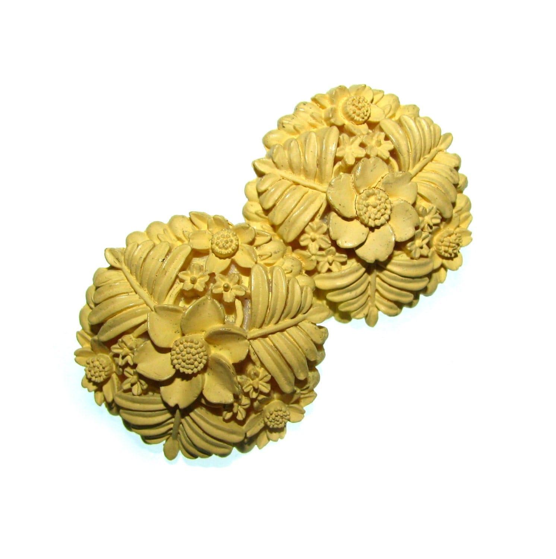 Vintage 40s Flower Earrings Celluloid Flower Earrings