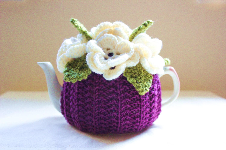 Plum Passion Flower Garden Tea Cosy in Pure Merino Wool