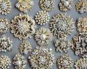 SALE 10 Large Assorted Rhinestone Button Brooch Embellishment Gold Pearl Crystal Wedding Brooch Bouquet Cake Hair Comb BT099