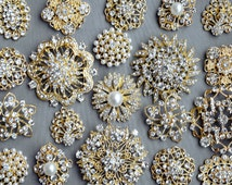 SALE 10 pcs Assorted Rhinestone Button Brooch Embellishment Gold Pearl Crystal Wedding Brooch Bouquet Cake Hair Comb BT099