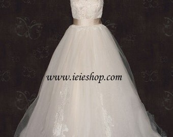 Ready to Ship Size 4 Strapless Cinderella Champagne Princess Tulle Ball Gown Wedding Dress