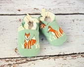 Organic Vegan Fox in Grass / All Fabric Soft Sole Baby Shoes Booties / Made to Order / Babies
