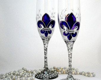 Fleur de lis Champagne Toasting Flutes Hand Painted Wedding Glassware