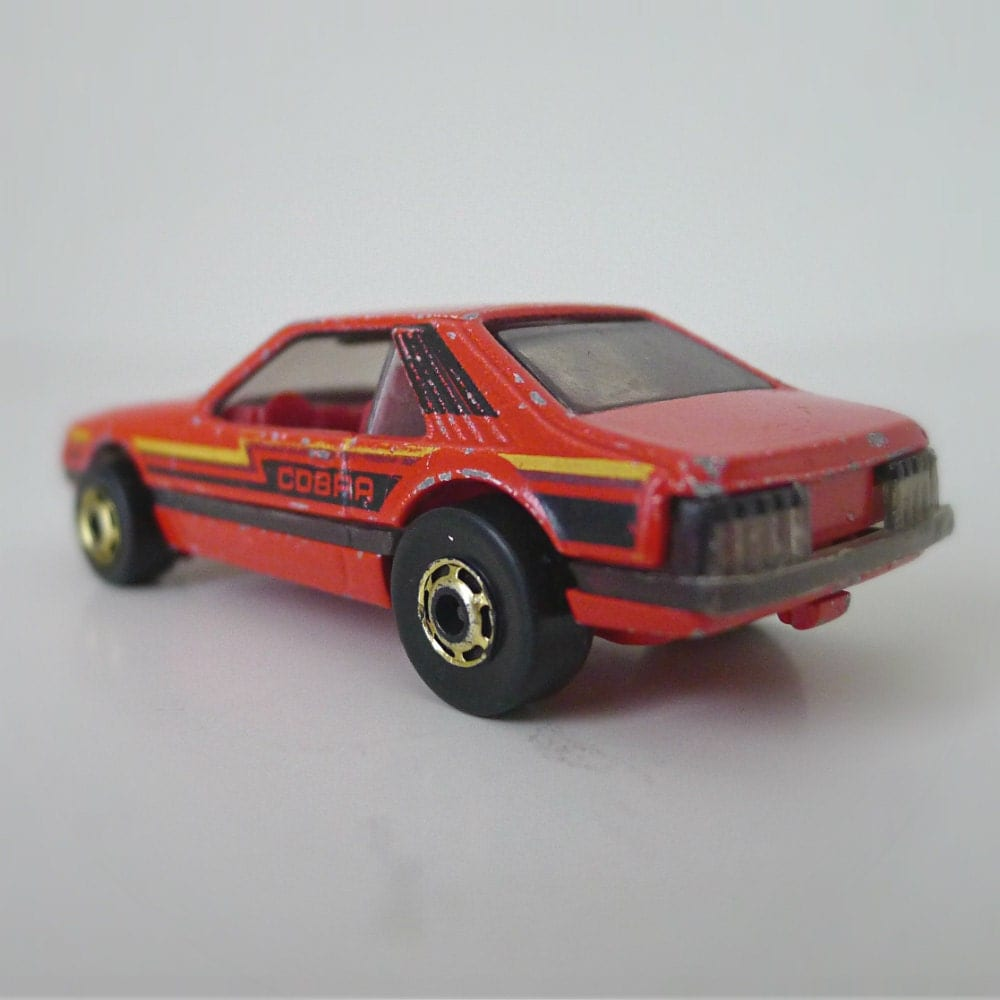 Hot Wheels Toy Cars : Vintage hot wheels car red cobra mustang s