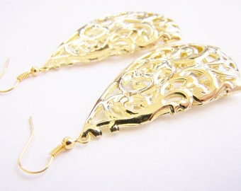 Scroll Shell - Large Golden Filigree Earrings - FREE shipping WAI - Affordable gifts - bridesmaids sets - beach inspired treasures