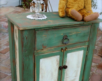 Reclaimed Wood Furniture - Rustic Table - Handmade - Honey's Treasures - Distressed Furniture - Handcrafted - Solid Wood - Farmhouse Chic