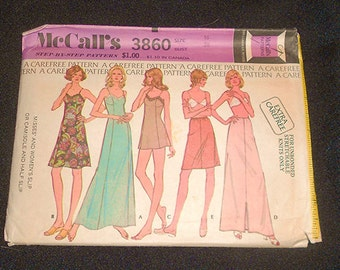 Womens  Vintage  Uncut 1970s  MC CALLS Lingerie   Pattern Size 16 Bust 38 Full and Half sLIP