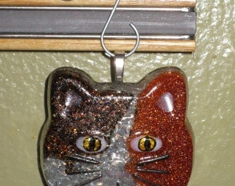 Cat Face Cast Resin Glitter Ornament, Magnet, or Keychain