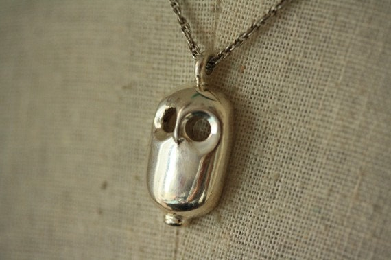 Vintage Modern Silver Ghost Owl Necklace, Trifari Bird, Abstract Pendant, Unique Jewelry, Simple Jewellery