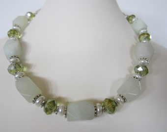 Light Green New Jade Necklace with Lime green faceted crystals,Garden Wedding, Summer Necklace, Fall Necklace, Beach Wedding, Resort Jewelry