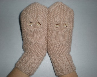 Beige women gloves - Owl gloves - Beige arm Warmers - Owl knitted mittens - Winter accessories - Pure wool mittens - Knitted gift ideas