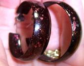 very dark brown with red flecks large hoop loop vintage pierced earrings SB13
