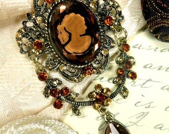 GB24 Cameo Brooch Rhinestone Dangle Victorian Amber Glory (GB24)