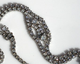 Sale ~Vintage Wedding Necklace - Rhodium Silver & Cut Glass