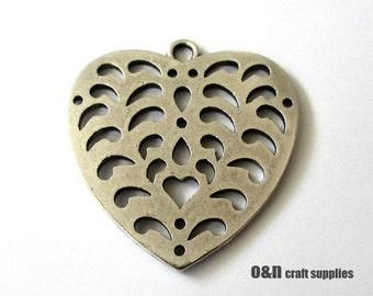 Antique silver heart cut out pendant, 1 piece