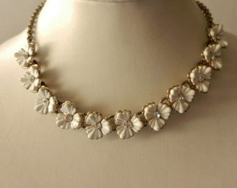 Adorable and gorgeous 1950s vintage  flowers necklace - beautiful jewel collector - white flowers for the bride-Art.397/2-