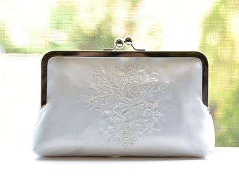 Roses Embroidered Ivory Bridal Wedding Purse Clutch Bridesmaid Gift