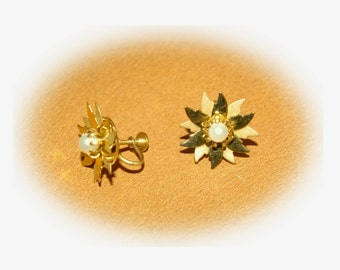 Screw Back Earrings  Gold Tone Flower and Center White Pearl  Vintage 1980's