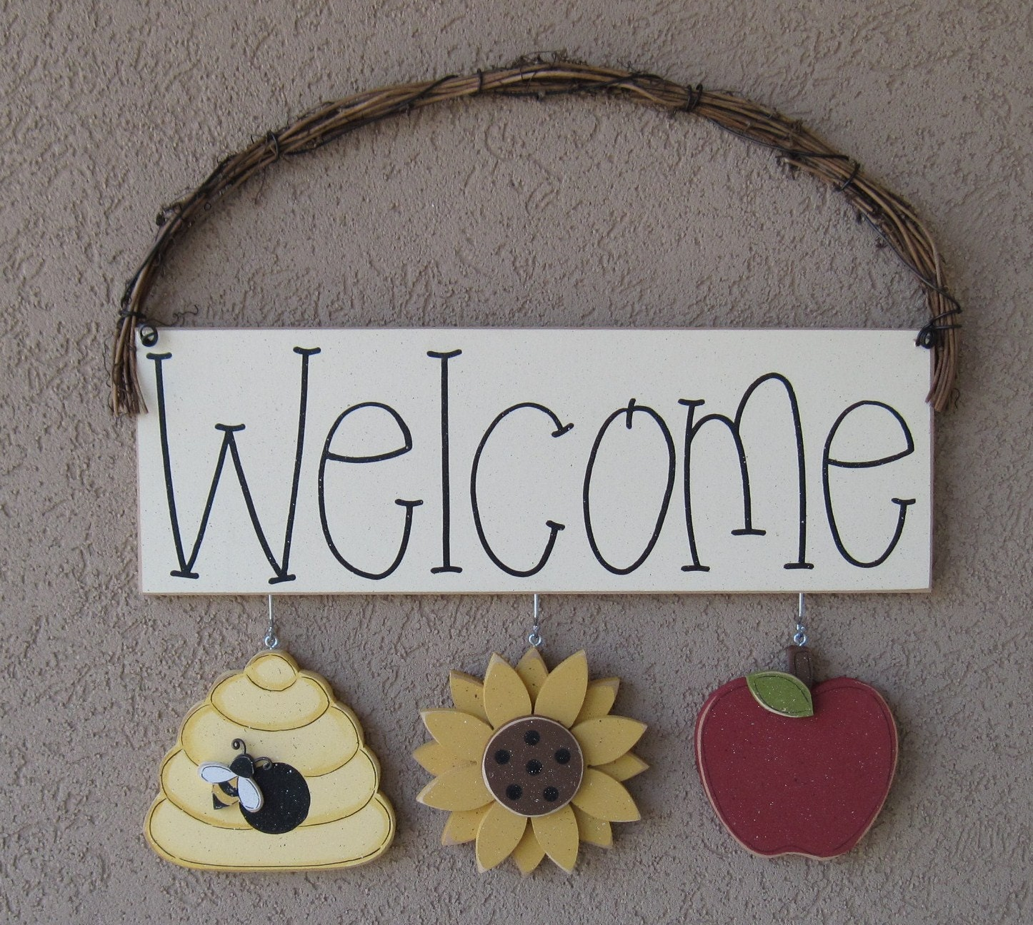 Welcome sign with bee hive sunflower and apple decor for for Bee decorations for the home