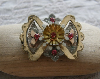 Antique Victorian brooch with pink topaz stones