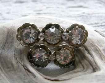 Vintage Czech rhinestone brooch in silvertone setting circa the 1950's