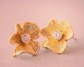 Gold Flower Rhinestone Studs Earrings