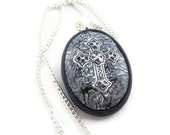 Cross pendant filigree with black and white polymer