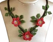 Red roses necklace,crochet necklace,rose necklace,statement necklace,rcrochet roses necklace,rose bib,crochet bib,rose necklace,flower,