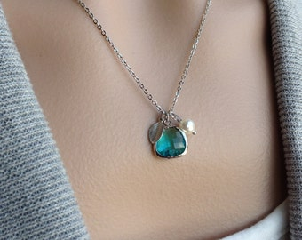 Sea Green Necklace in Silver - tiny leaf, Swarovski pearl, gift, mother, bridesmaid, sister, beach, mother, wife, daughter, romantic, love