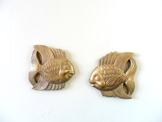 miller studios golden kissing fish chalkware wall plaques - bathroom decor -  kitsch - love - 1950s