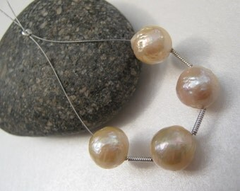 Set of 4 Kasumi style Chinese nucleated wrinkle Pearls - cream, peach, gold nacre, 10.5mm