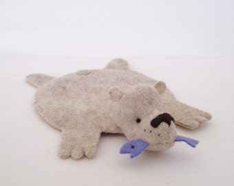 Bear Rug Coaster with Fish (oatmeal with periwinkle fish)